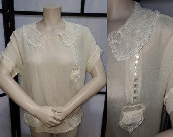 Vintage 1920s Blouse Thin Cream Silk Crepe Top Fine Lace Collar and Details MOP Buttons Boardwalk Empire Flapper Art Deco S M