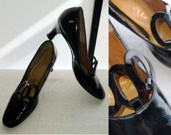 Vintage 1960s Shoes Black Patent Leather Pumps Oval Cutouts Babette Ultra Mod 9 AA