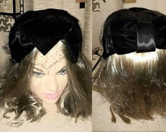 Vintage 1950s Hat Black Velvet Satin Cocktail Half Hat Bow Veil USA Rockabilly