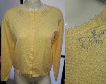 Vintage 1950s Sweater Thin Yellow Wool or Acrylic Cardigan Silver Metallic Embroidery Rockabilly S chest 37 in.