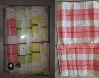 DEADSTOCK Vintage Towels 1960s Guest Towels Dish Towels Unused NIB Set of 4 Cotton Terrycloth Pastel Floral German Mod 14 x 20 in.