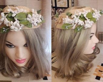 Vintage 1950s Hat Round Straw Floral Open Hat Silk Flowers USA Rockabilly Bridal Wedding Hochzeit 21 in.