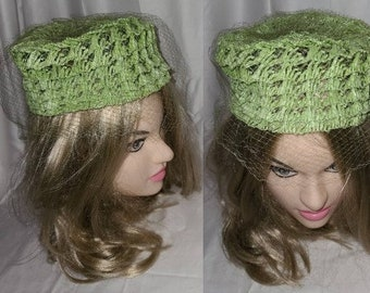 SALE Vintage 1960s Hat Bright Green Woven Straw Raffia Pillbox Hat Net Veil Rockabilly Mod 19.5 in.