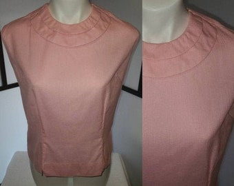 Vintage 1950s Blouse Pink Cotton Sleeveless Back Button Blouse Darts Unique Collar Detail Rockabilly L