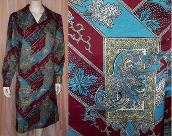 Vintage 1970s Dress Thin Polyester Abstract Patterned Shirt Dress USA Boho Heraldic Equestrian L chest to 40 in.