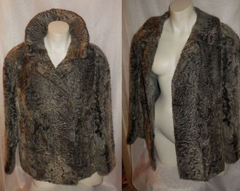 Vintage Fur Jacket 70s 80s Gray Broadtail Persian Lamb Fur Coat Lightweight High Quality Fur Mod Boho Beautiful Coloring L chest to 44 in.