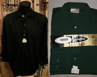 Unworn Vintage Men's Shirt 1950s Dark Green Long Sleeve Shirt Notched Collar NWT Cotton Poly Blend Dress Shirt German Rockabilly M