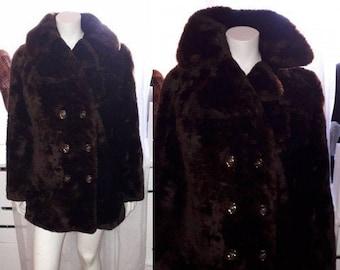 Vintage Fur Coat 1960s Plushy Dark Brown Sheared Mouton Lamb Fur Jacket Chunky Fur Babydoll Short Coat Decorative Buttons Mod Boho M L