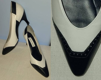 Vintage Spectator Pumps 1980s Dark Blue White Leather Heels Wing Tip Carriage Court Classic Rockabilly 9 M MISSING HEEL TIPS