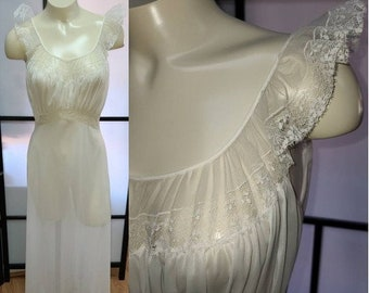 Vintage 1950s Nightgown Long Vanity Fair Semi Sheer White Nylon Nightgown Ruffle Lace Trim Rockabilly Pinup Wedding Bridal S 32