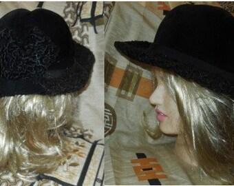 Vintage Fur Hat 1950s Black Persian Lamb Fur Hat Wide Brim Large Bow Detail on Back Round Hat German Rockabilly Boho 21.5 in. 54.5 cm