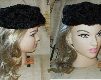 Vintage Fur Hat 1950s 60s Small round Black Persian Lamb Fur Pillbox Hat Rockabilly Pinup 20 in. 51 cm.