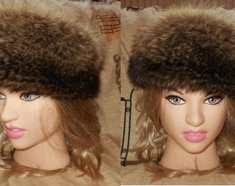 SALE Vintage Fur Hat 1980s Fluffy Raccoon Fur Hat Beautiful Markings Cossack Boho Winter Fur Hat 23 in. 58.5 cm
