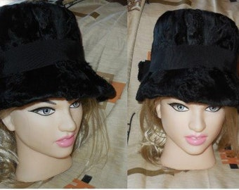 Vintage Fur Hat 1960s Black Broadtail Persian Lamb Fur Hat Large Brim High Crown Stovepipe Bow Mod Boho 21.5 in. 55 cm