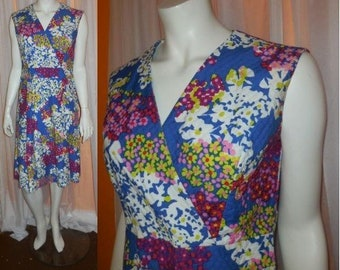 Vintage 1960s Dress Bright Floral Pattern Cotton Pique Dress Crossover Bust Summer Rockabilly Mod M chest to 39 in.
