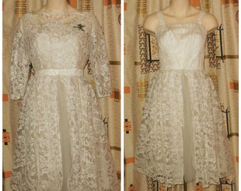 Vintage 1950s 60s Wedding Dress + Bolero White Lace Tulle Net Back Button Jacket Pearl Buttons Rockabilly Wedding Bridal S a few issues
