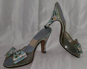 Unworn Vintage Springolators 1950s Blue Floral Print Clear Vinyl Springolators Slip On Mules Heels Bows Rockabilly Pinup XS