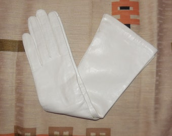Unworn Vintage Leather Gloves 1950s Long White Kid Leather Gloves Silk Lined Italy Elegant Rockabilly Wedding Bridal Pinup Burlesque 6 1/2
