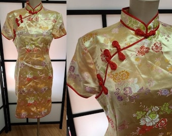 Vintage Asian Dress Chinese Pale Gold Satin Brocade Cheongsam Rockabilly Boho S chest 36 in.