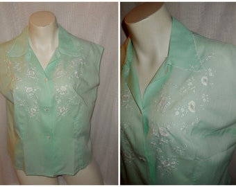 Vintage 1950s 60s Blouse Mint Green Cotton Sleeveless Blouse White Open Floral Embroidery Rockabilly M chest to 39 in.