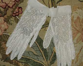 Vintage 1950s Gloves Sheer Creamy White Embroidered Nylon Gloves Wrist Cuffs Rockabilly Wedding Bridal 6.5 7 thin hands