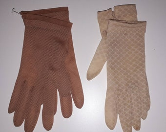 Pair of Vintage Net Gloves Sheer Beige Tan Textured Patterned Nylon Gloves Rockabilly Pinup Burlesque S M small flaws