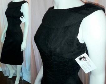 Vintage 1950s Dress Black Textured Cotton Wiggle Dress Audrey Hepburn USA Rockabilly XS S