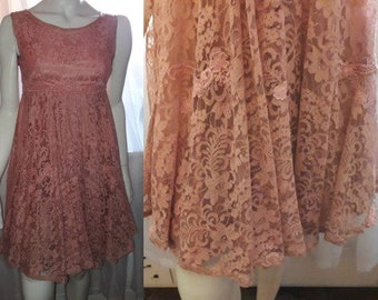 Vintage Lace Dress 1950s 60s Pink Lace Minidress Flouncy Full Skirt Embroidered Lace Petticoat Lolita USA Rockabilly S
