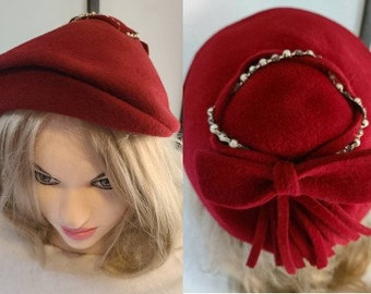 Vintage Sculptural Hat 1930s 40s Small Red Felt Cocktail Hat Rhinestone Pearl Trim Large Bow Art Deco Film Noir Rockabilly 20.5 inches