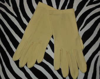 Vintage 1960s Gloves Pale Yellow Nylon Fabric Wrist Length Rockabilly Mod 6 1/2 or so