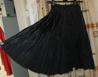SALE Vintage 1950s Circle Skirt Swingy Black Pleated Taffeta Party Skirt Rockabilly XS S waist to 24 inches As Is