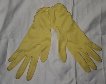 Vintage Yellow Gloves 1950s Yellow Nylon Fabric Ruched Wrist Gloves Rockabilly 7.5