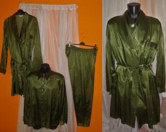 723a368881 Vintage Men es Pajamas unworn 60s 3 Piece Set Robe Nightshirt Pants Green  Black Patterned Rayon Satin German Rockabilly L chest 46 in.