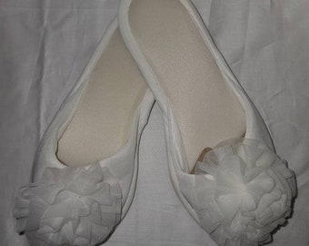 Unworn Vintage Slippers 1960s White Soft Nylon Rosette Bedroom Slippers Rockabilly Pinup Wedding Bridal S 5.5 6.5