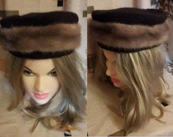 Vintage 1950s Hat Round Dark Brown Wool Boucle Pill box Hat Taupe Gray Mink Fur Trim USA Rockabilly 21 in.