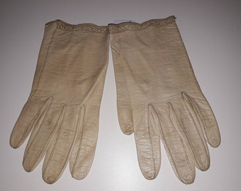 Vintage Leather Gloves 1950s Thin Beige Kid Leather Wrist Length Gloves Fine Embroidered Trim Kislav Kid Made in France M