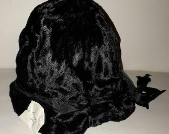 Unworn Vintage Childs Hat 1930s 40s 50s Black Velvet Bucket Hat Satin Ribbon Bow NWT German Art Deco 19 in.