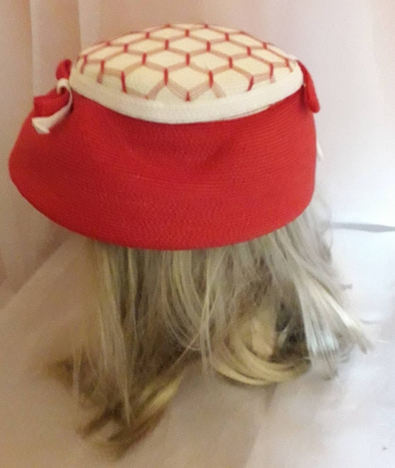 Vintage 1940s 50s Hat Red White Straw Hat Open Me… - image 8