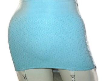 Verkauf ungetragene Vintage Gürtel Rollen auf Gürtel hellblau 1960s 1970s Gürtel Strapsgürtel Pinup Glamour Made in England M Taille bis 29 in