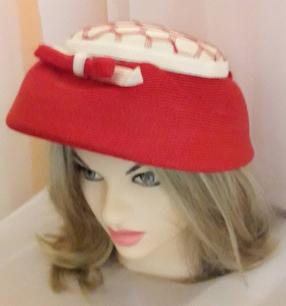 Vintage 1940s 50s Hat Red White Straw Hat Open Me… - image 2
