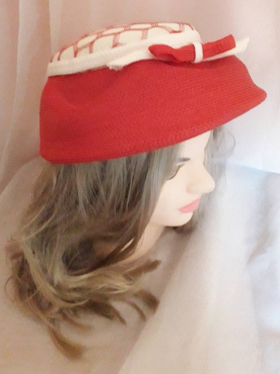Vintage 1940s 50s Hat Red White Straw Hat Open Me… - image 7