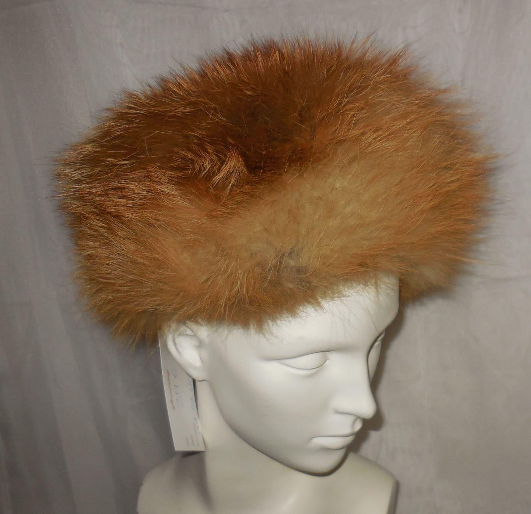 Vintage Fur Hat 1960s 70s Red Fox Fur Oversize Pillbox Pouf Cossack Hat  Boho Apres Ski 22 22.5 inches f7b9580299d