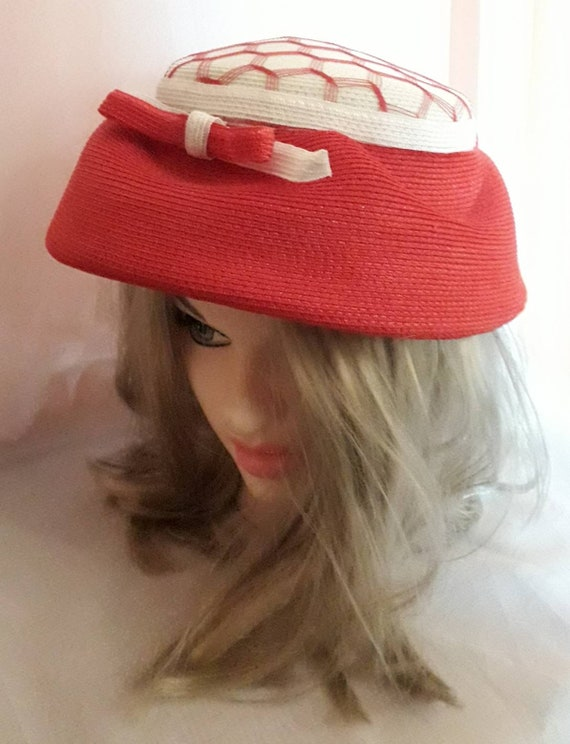 Vintage 1940s 50s Hat Red White Straw Hat Open Me… - image 5