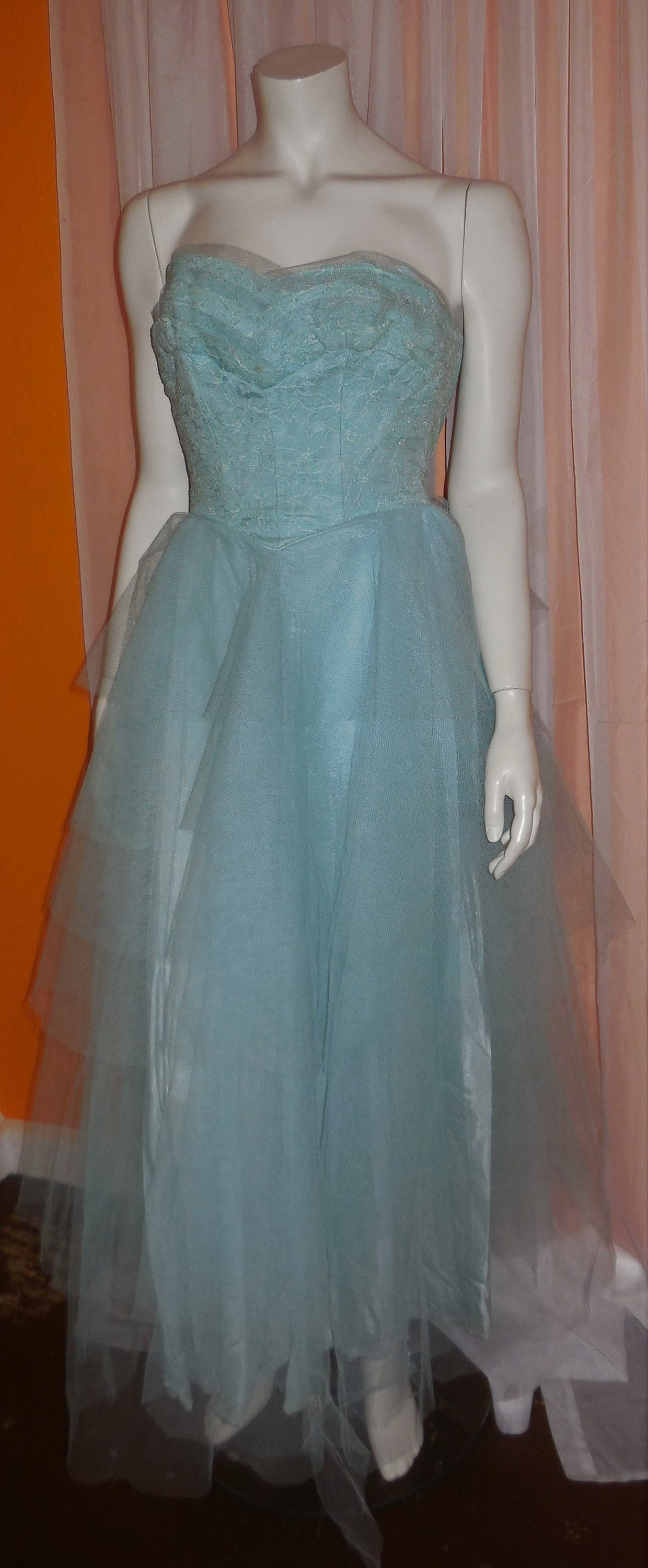 305c7a18286 Vintage 1950s Prom Dress Long Light Blue Net Gown Strapless Lace Sweetheart  Bust USA Rockabilly XS chest to 32 in. as is