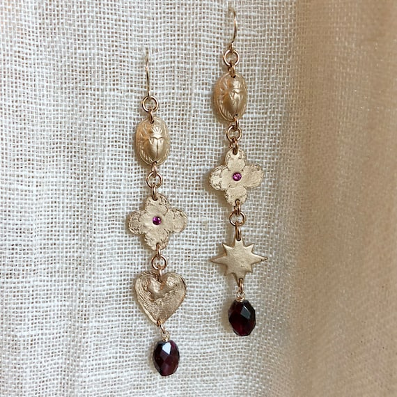 Memento Earrings in ruby and garnet