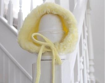 Yellow baby bonnet  e4f9ebb0653