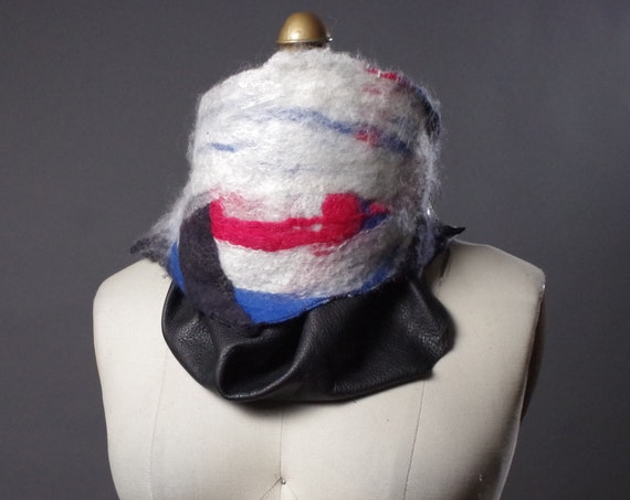 Felted Merino wool scarf - Winter women's scarves - Felted wool and leather scarf - neck warmer scarf