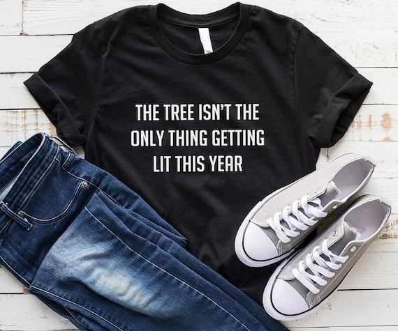L/'arbre n/'est pas la seule chose se lit cette année Cadeau De Noël Pull