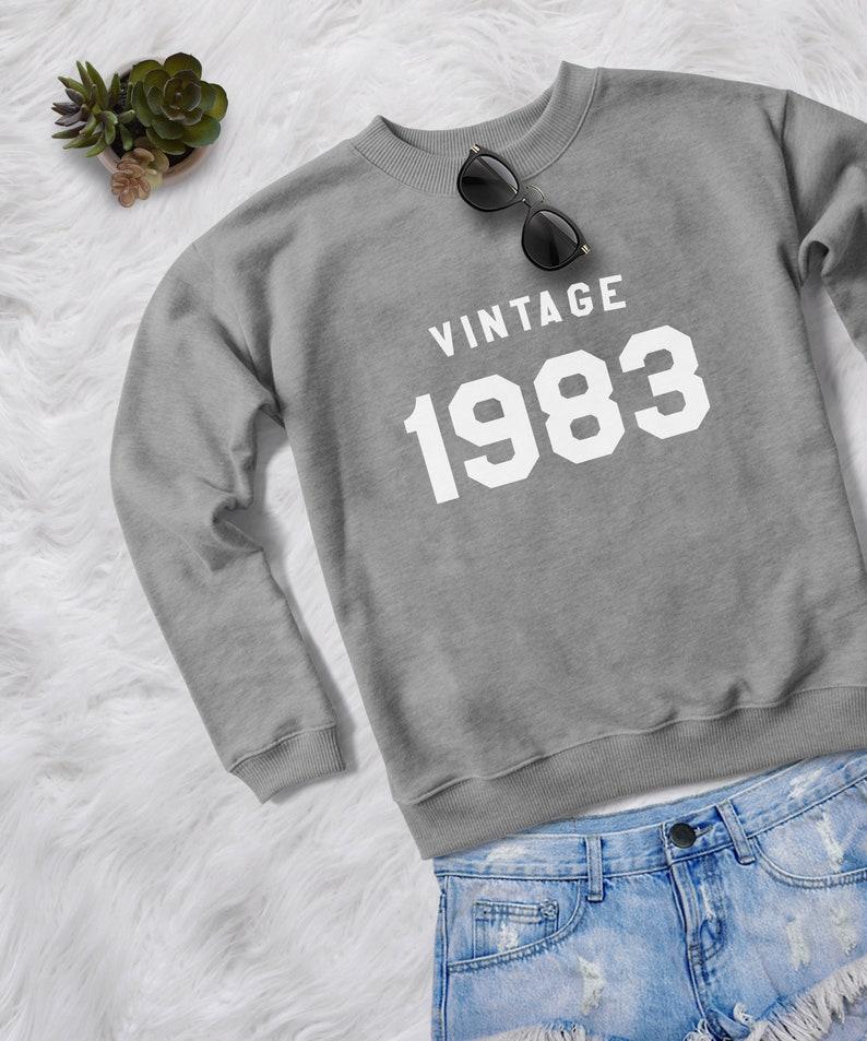 online retailer f2403 d591c 36a regalo camicia donna girocollo felpa 1983 nascita anno camicie womens  regalo di compleanno per il suo maglione per abbigliamento donna pullover  ...