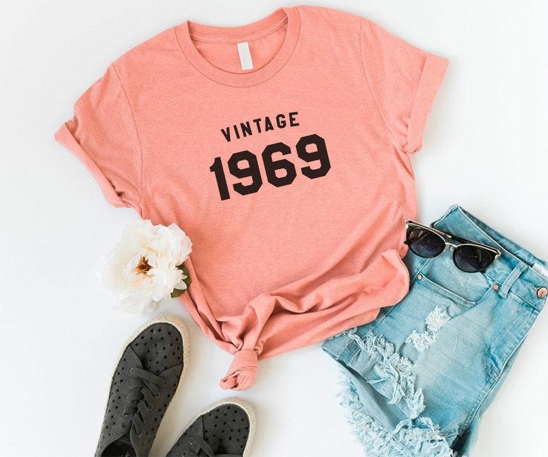 bc5f059e86eee Regalo di compleanno 50th camicia di 1969 per donne magliette